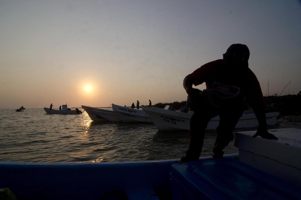 pescadores furtivismo