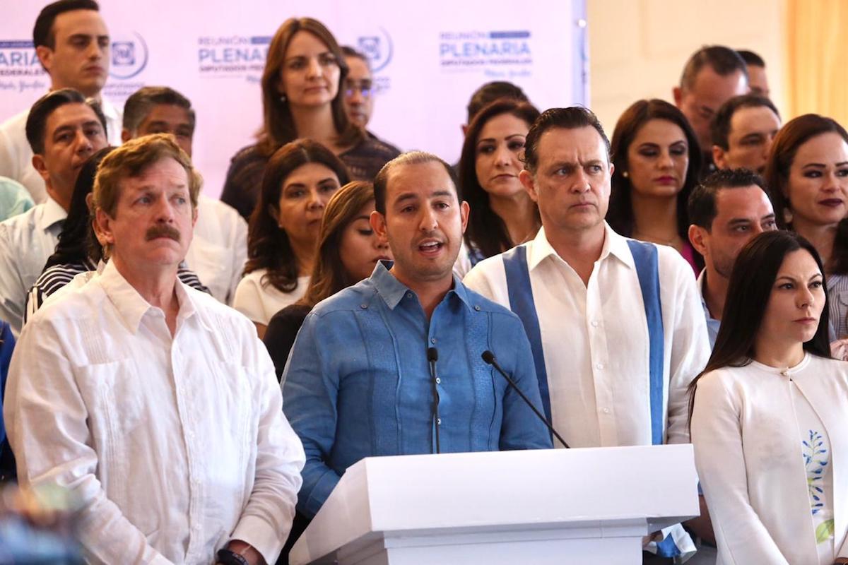 Marko Cortés y legisladores
