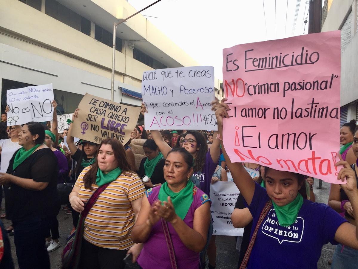 marcha mujeres merida
