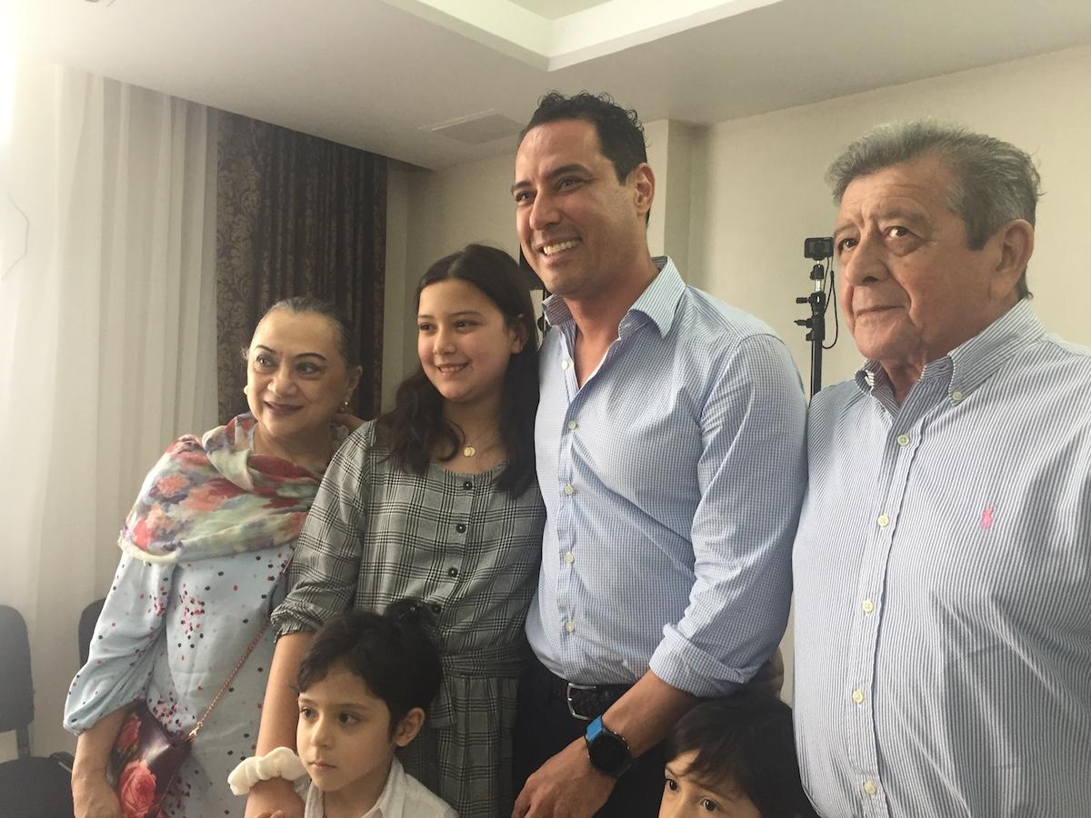 RAUL PAZ y famili
