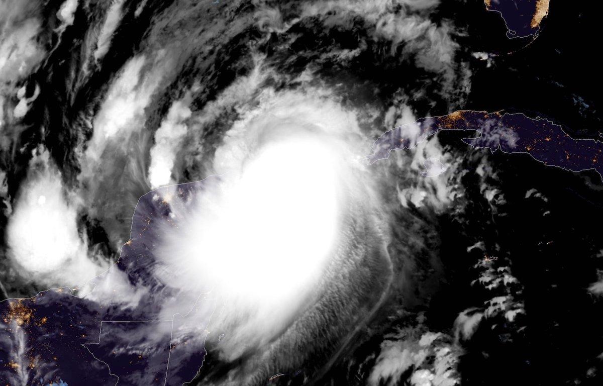 huracan cat 2