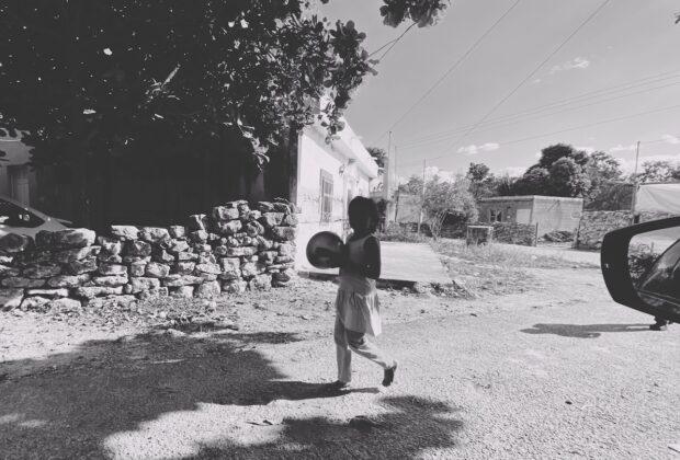 niña blanco y negro